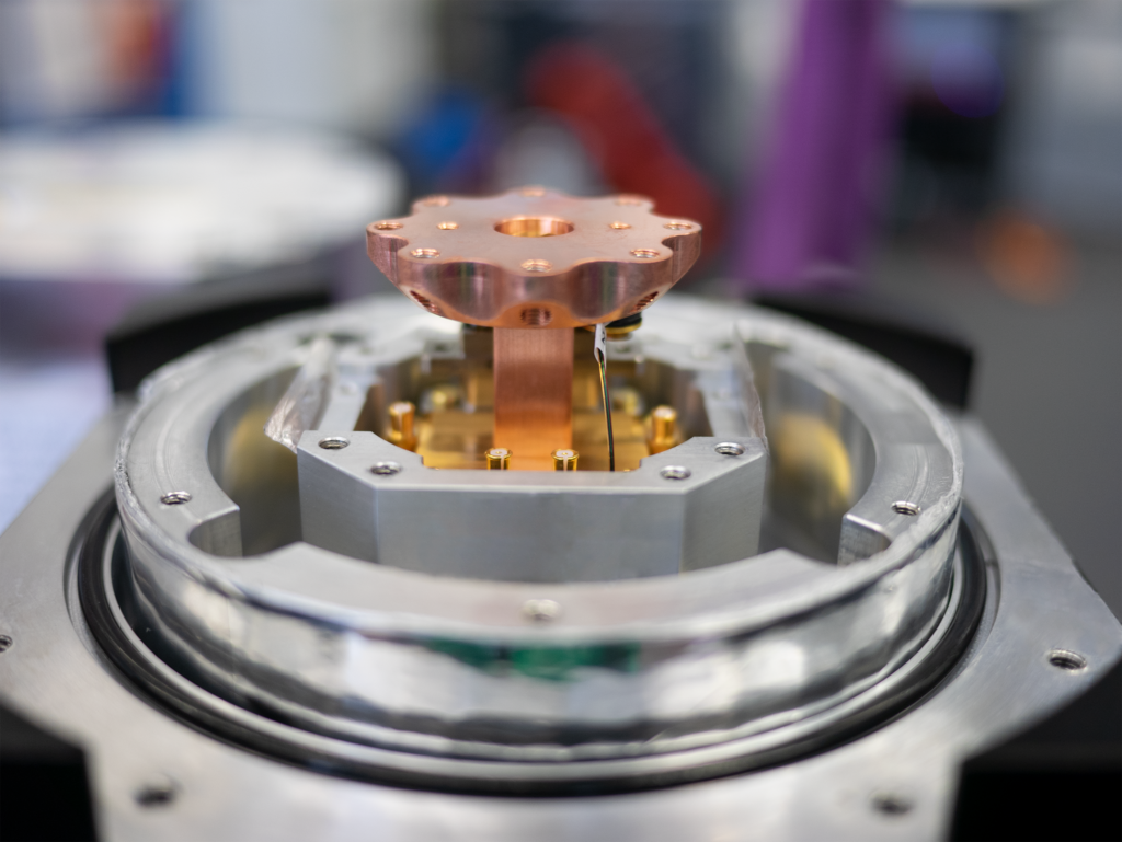 Picture of the sample stage of an S-Type Optical Cryostat.